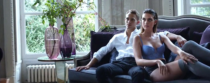 Эротический фильм Мелани - секс-модель онлайн